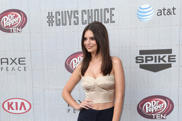 "Emily Ratajkowski Spike TV's ""Guys Choice 2014"" - Arrivals"