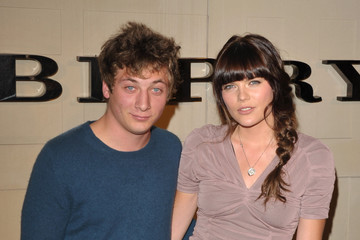 Emma Greenwell Jeremy Allen White Pictures, Photos  Images