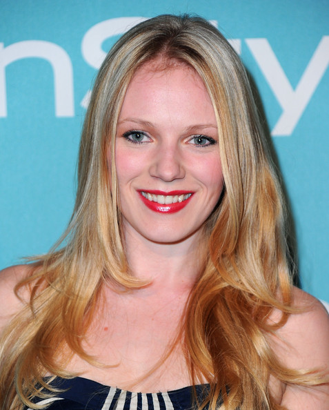 Emma Bell Net Worth