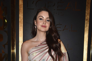 Emma Miller Gold Obsession Party - L'Oreal Paris : Photocall - Paris Fashion Week Womenswear Spring/Summer 2017