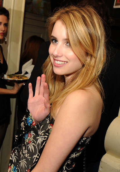 The Cinema Society & D&G host The Twilight Saga: New Moon After Party [the twilight saga: new moon,hair,blond,hairstyle,beauty,lady,layered hair,brown hair,long hair,lip,dress,emma roberts,new york city,d g,cinema society,the cinema society d g,party,party,screening]