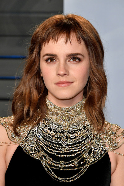 2018 Vanity Fair Oscar Party Hosted By Radhika Jones - Arrivals [hair,face,hairstyle,lip,blond,beauty,neck,chin,fashion,shoulder,emma watson,radhika jones - arrivals,radhika jones,hair,hairstyle,pixie cut,face,oscar party,vanity fair,party,emma watson,bangs,hairstyle,actor,celebrity,glee,hermione granger,pixie cut,oscar party,hair]