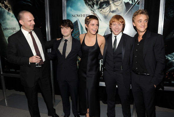 "Emma Watson (L-R) Actors Ralph Fiennes, Daniel Radcliffe, Emma Watson, Rupert Grint and Tom Felton attend the premiere of ""Harry Potter and the Deathly Hallows - Part 1"" at Alice Tully Hall on November 15, 2010 in New York City."
