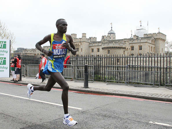 Virgin London Marathon 2010 [running,sports,marathon,outdoor recreation,long-distance running,athlete,recreation,duathlon,individual sports,athletics,tower of london,london,england,virgin london marathon,emmanuel mutai]