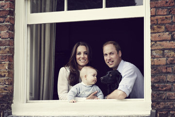 If You Love Dogs and Babies, The New Picture of the Royal Family Will Make Your Day