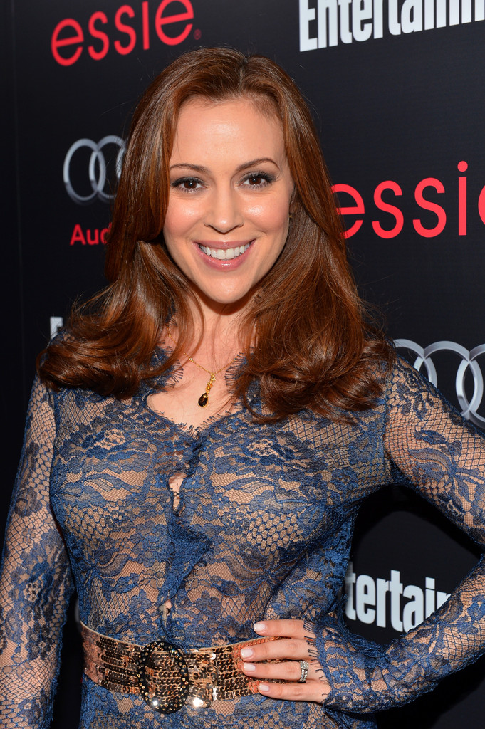 Alyssa Milano - Alyssa Milano Photos - The Entertainment