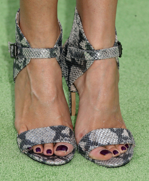 courtney eaton feet