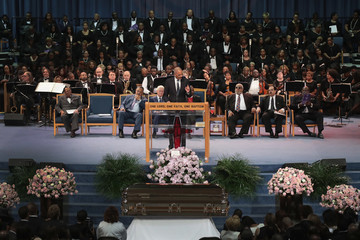 Eric Holder Soul Music Icon Aretha Franklin Honored During Her Funeral By Musicians And Dignitaries