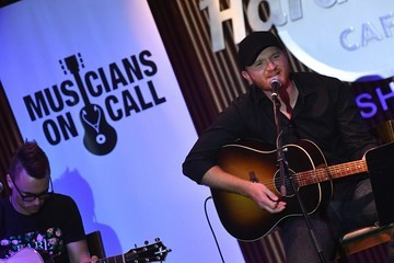 Eric Paslay Musicians On Call Celebrates Half A Million Moments by honoring Lady Antebellum