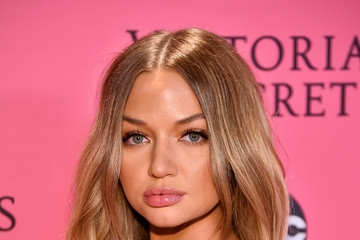 Erika Costell 2018 Victoria's Secret Fashion Show in New York – Show Pink Carpet Arrivals