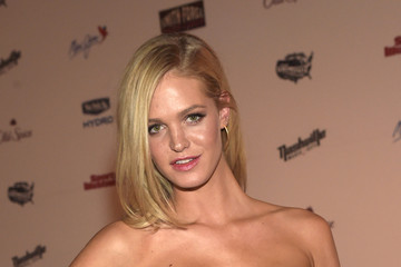 Erin Heatherton Sports Illustrated 2015 Swimsuit Takes Over The Schermerhorn Symphony Center