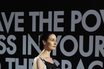Erin O'Connor Runway - Fashion For Relief Cannes 2018