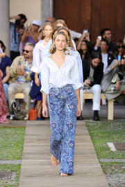Candice Swanepoel was casual-chic in a striped button-down while walking the Etro Spring 2020 runway.