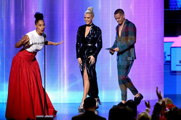Evan Ross Tracee Ellis Ross 2018 American Music Awards - Fixed Show