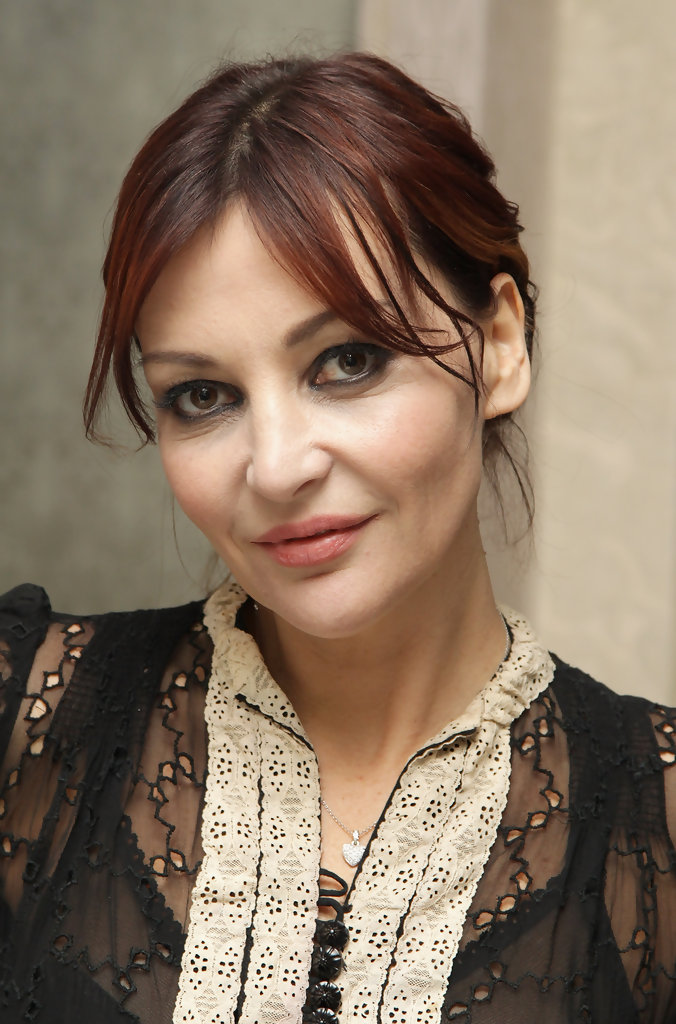Pearl Lowe in Exclusive: Pearl Lowe Launches Her Christmas ...