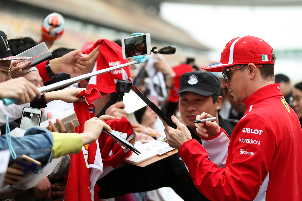 [Imagen: F1+Grand+Prix+China+Previews+2AWhh1z9Wd7x.jpg]