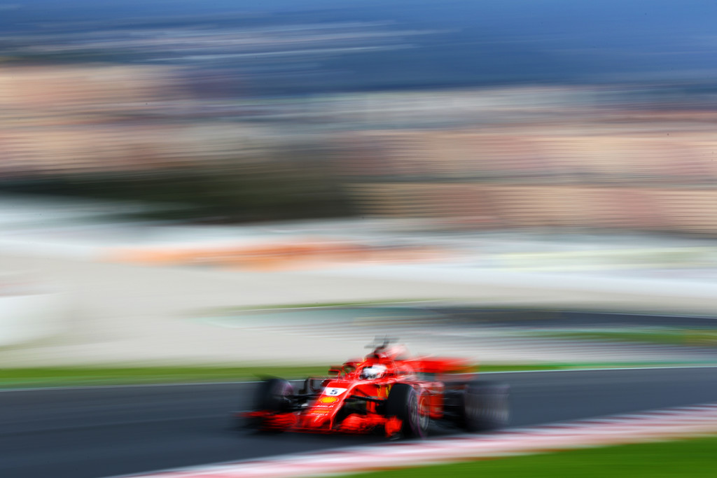 [Imagen: F1+Winter+Testing+Barcelona+Day+Three+hVmCmHRVZwTx.jpg]