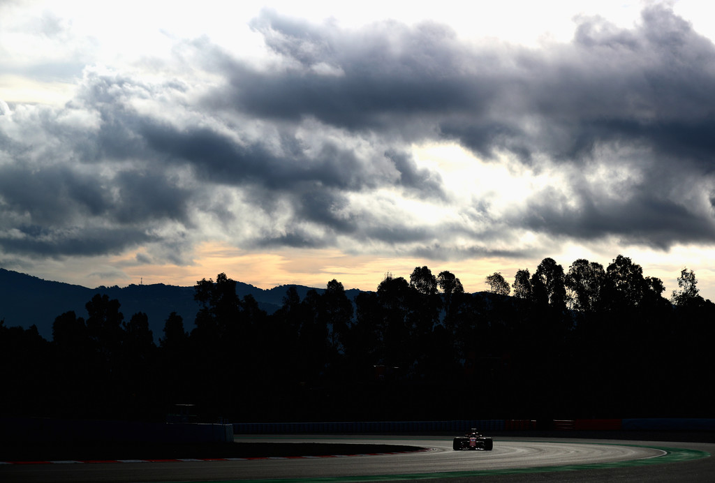 [Imagen: F1+Winter+Testing+Barcelona+Day+Three+vddEAmCTWtKx.jpg]
