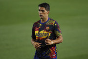 Luis Suarez of Barcelona warms up prior to the Liga match between FC Barcelona and Athletic Club at Camp Nou on June 23, 2020 in Barcelona, Spain. Football Stadiums around Europe remain empty due to the Coronavirus Pandemic as Government social distancing laws prohibit fans inside venues resulting in all fixtures being played behind closed doors.