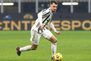 Aaron Ramsey of Juventus FC in action during the Serie A match between FC Internazionale and Juventus at Stadio Giuseppe Meazza on January 17, 2021 in Milan, Italy. Sporting stadiums around Italy remain under strict restrictions due to the Coronavirus Pandemic as Government social distancing laws prohibit fans inside venues resulting in games being played behind closed doors.