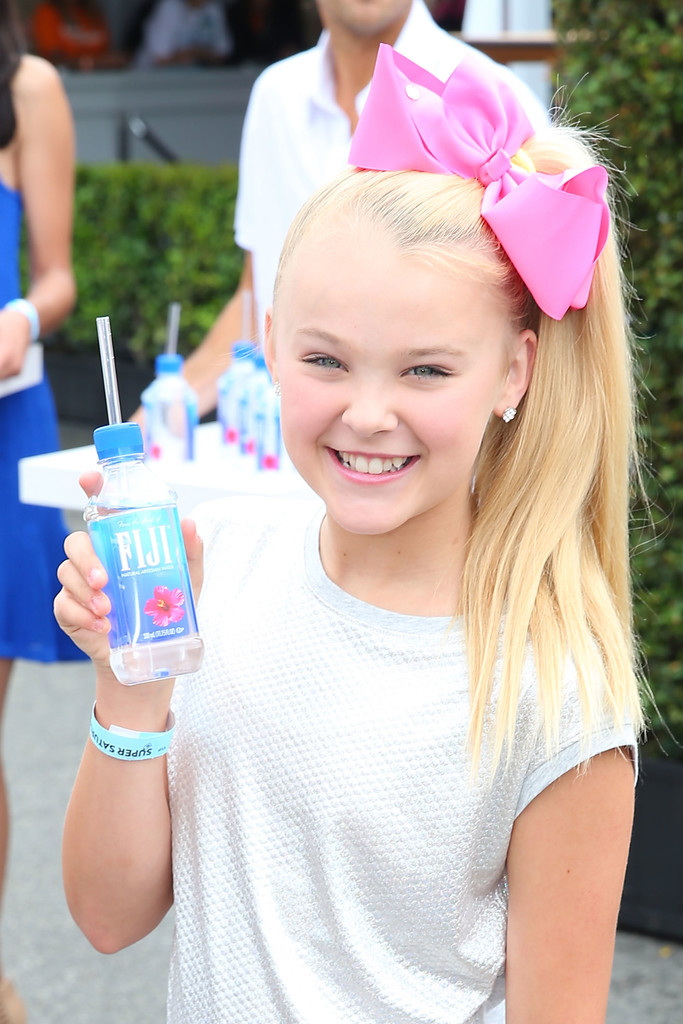 Jojo Siwa Photos Photos Fiji Water At Ocrf S 3rd Annual