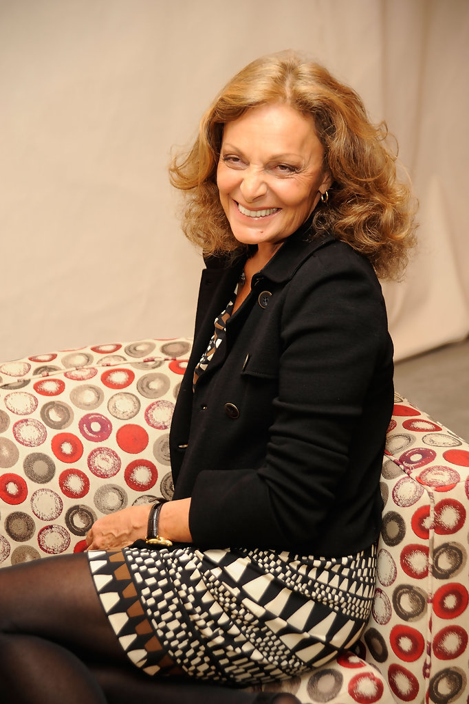 diane von furstenberg photos photos fashion 39 s night out kick off with anna wintour and michael. Black Bedroom Furniture Sets. Home Design Ideas
