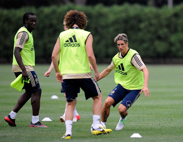 Fernando Torres and David Luiz Photos Photos - Chelsea FC Training ... f8c04a4f412