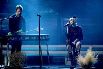 Finneas O'Connell 2019 American Music Awards - Fixed Show