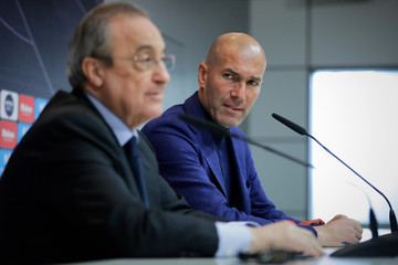 Florentino Perez Zinedine Zidane Steps Down As Manager Of Real Madrid