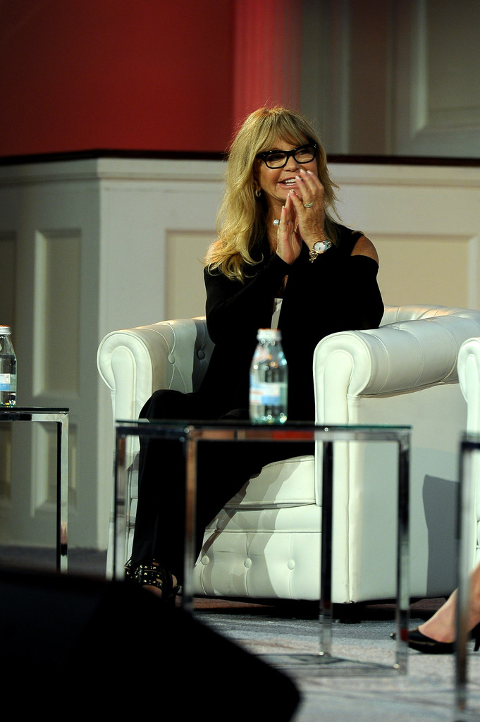 single women in forbes Forbes says the richest 400 people in america made $270  27 new billionaires in richest americans  elizabeth holmes was one of 47 women on the.