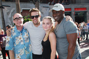 "(L-R) Challenge winner Jeff Nicholls and actors Geoff Stults, Maddie Hasson and Michael Clarke Duncan attend Fox's ""The Finder"" Challenge at Hollywood & Highland Courtyard on January 9, 2012 in Hollywood, California."