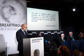 Frank Drake Yuri Milner and Stephen Hawking Host a Press Conference on the 'Breakthrough Life in the Universe' Initiatives