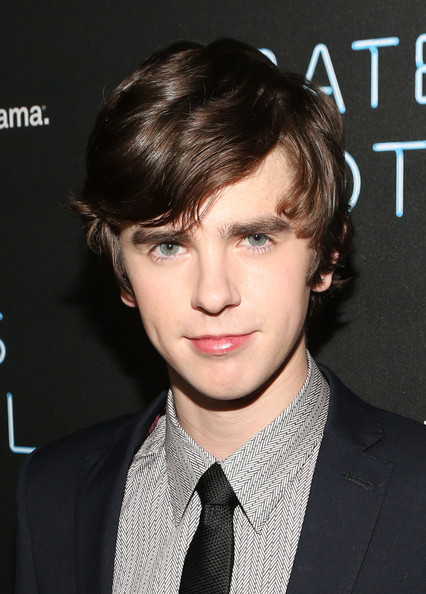 Freddie Highmore Pictures - 'Bates Motel' Premiere After ... Vera Farmiga Dating
