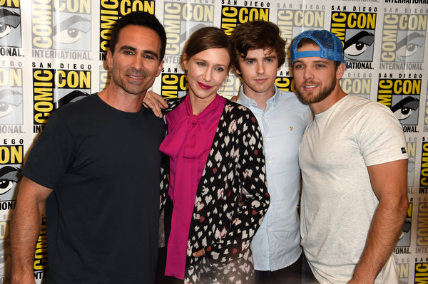 highmore gay personals Gay status dating location new york posts 860 posts must follow the: code of conduct re: freddie highmore freddie highmore originally posted by reconelf.