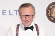 Larry King - Celebrities React to the Death of Mary Tyler Moore