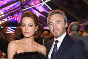 (L) Kate Beckinsale and  British Consul General Michael Howells attend the Great British Film Reception honoring the British nominees of The 90th Annual Academy Awards on March 2, 2018 in Los Angeles, California.