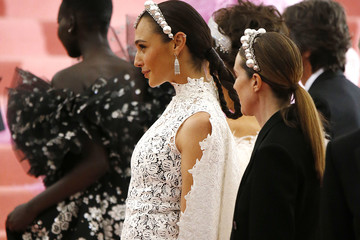 Gal Gadot The 2019 Met Gala Celebrating Camp: Notes On Fashion - Arrivals