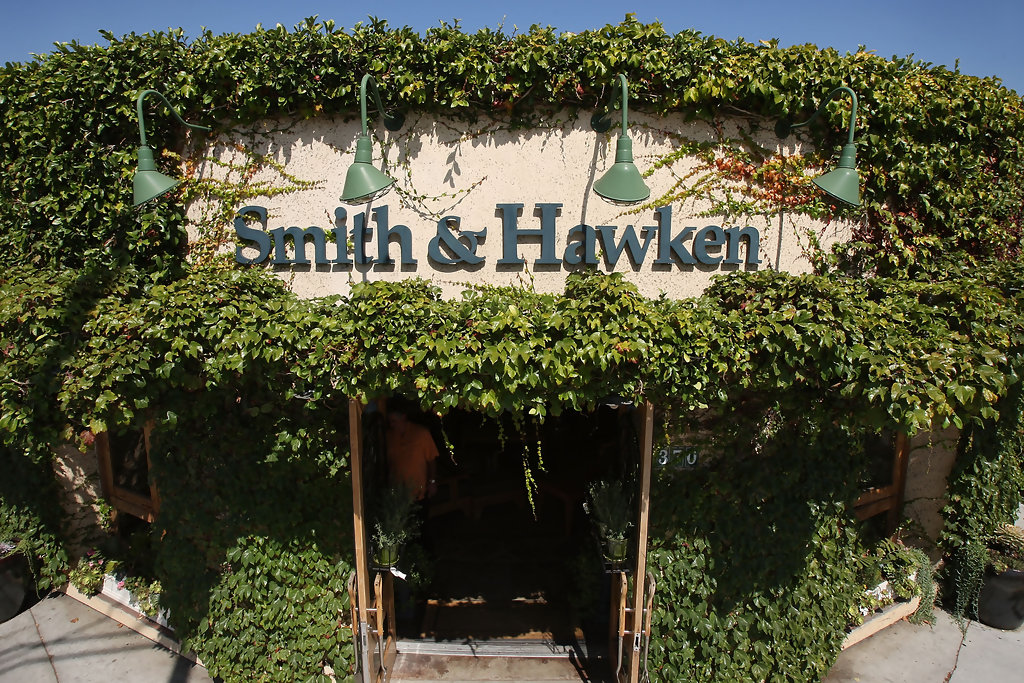 Garden retailer smith and hawken to shut stores zimbio Smith and hawken