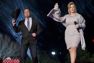 Garth Brooks President and Mrs. Obama Attend the National Christmas Tree Lighting