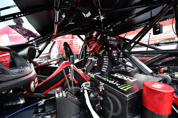Garth Tander Supercars - Gold Coast 600: Qualifying & Race 23