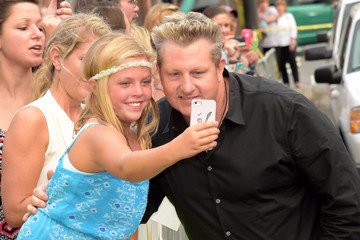 Gary LeVox 8th Annual ACM Honors - Red Carpet