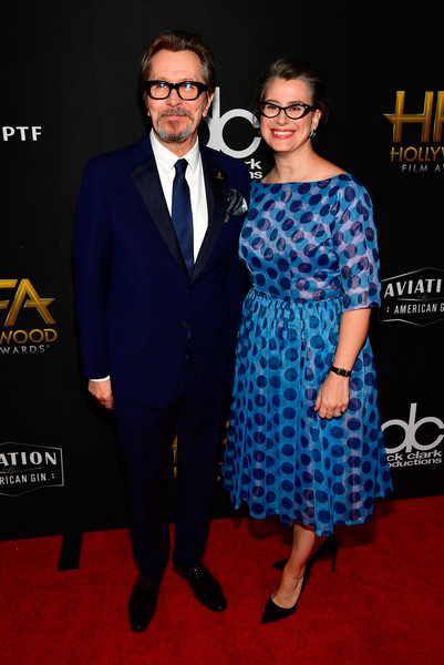 http://www4.pictures.zimbio.com/gi/Gary+Oldman+21st+Annual+Hollywood+Film+Awards+f0Dk3AMeKS7l.jpg