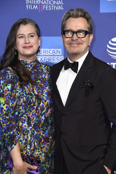 http://www4.pictures.zimbio.com/gi/Gary+Oldman+30th+Annual+Palm+Springs+International+MeQnSwoUR8Ml.jpg
