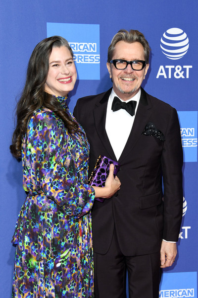 http://www4.pictures.zimbio.com/gi/Gary+Oldman+30th+Annual+Palm+Springs+International+yiGG4c_Dm8Wl.jpg