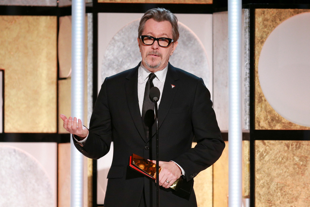 http://www4.pictures.zimbio.com/gi/Gary+Oldman+AARP+17th+Annual+Movies+Grownups+dI6_pBUOQ0Kx.jpg