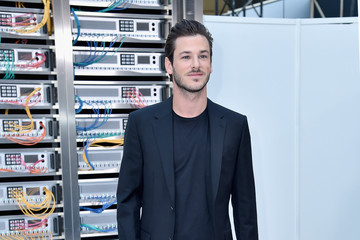 Gaspard Ulliel Chanel : Front Row  - Paris Fashion Week Womenswear Spring/Summer 2017