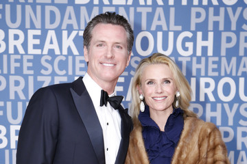 Gavin Newsom 2017 Breakthrough Prize - Red Carpet