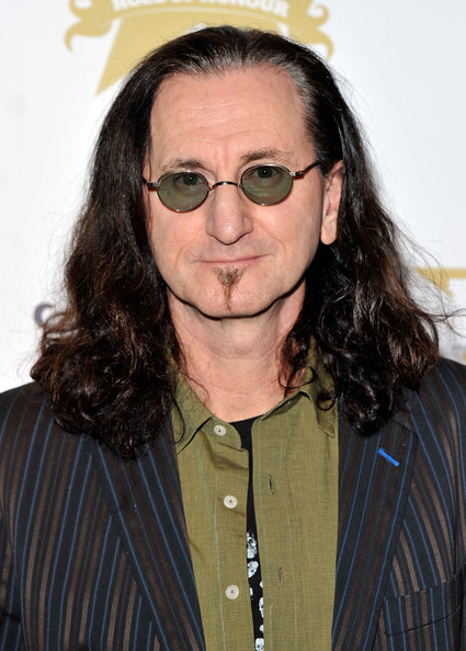 Geddy Lee's Wife http://www.zimbio.com/pictures/KOX9eItslco/Classic+Rock+Roll+Honour+Arrivals/8MiqRD8pfO8/Geddy+Lee