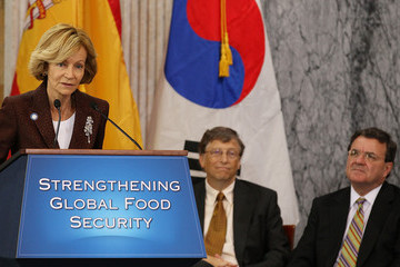 James Flaherty Geithner, Bill Gates Announce New Int'l Commitment To Fight Hunger, Poverty