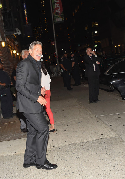 George Clooney leaving the late show Stephen Colbert 8th September 2015 George+Clooney+Celebrities+Attend+First+Taping+9n6AJLHBA6El